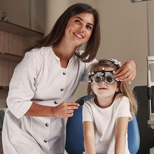 consulta de criança em oftalmo